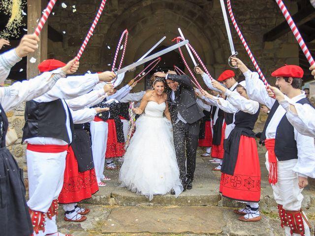 La boda de Javi y Garbiñe en Bakio, Vizcaya 10