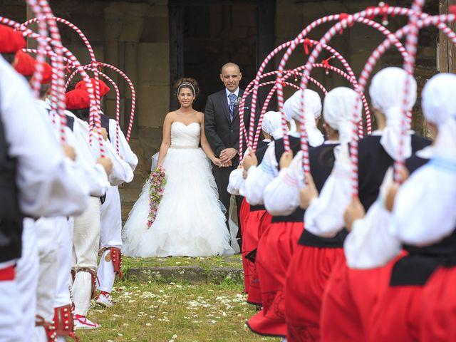 La boda de Javi y Garbiñe en Bakio, Vizcaya 11