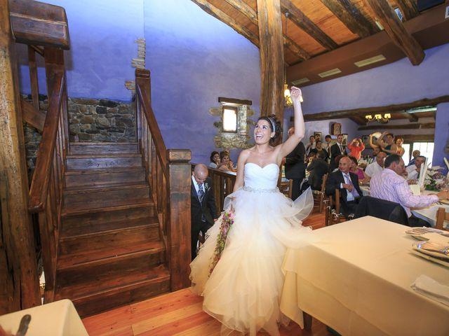 La boda de Javi y Garbiñe en Bakio, Vizcaya 23