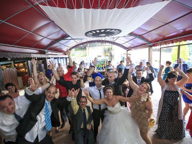 La boda de Javi y Garbiñe en Bakio, Vizcaya 38