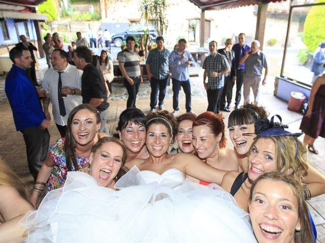 La boda de Javi y Garbiñe en Bakio, Vizcaya 40