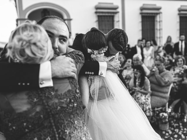 La boda de Jonathan y Sonia en Dos Hermanas, Sevilla 33