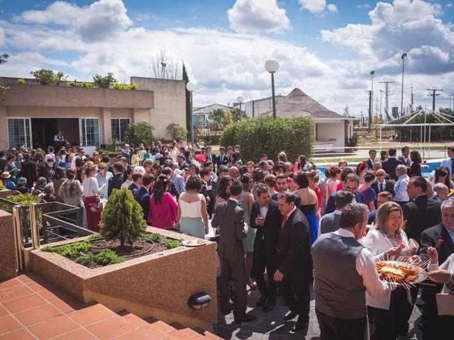 La boda de Juanlu y Beatriz en Don Benito, Badajoz 51
