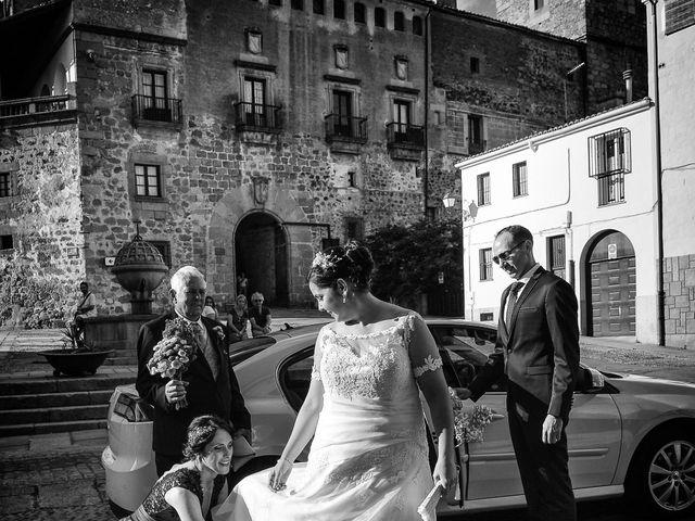 La boda de Alberto y Lorena en Plasencia, Cáceres 50