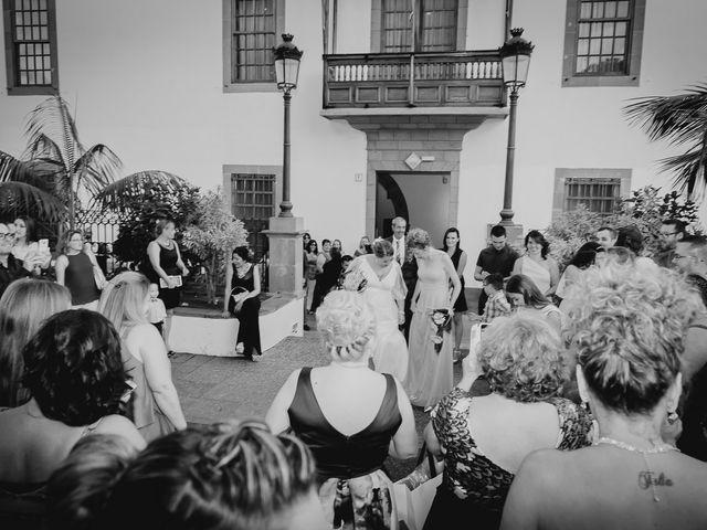 La boda de Zeneida y Cathaysa en Telde, Las Palmas 32