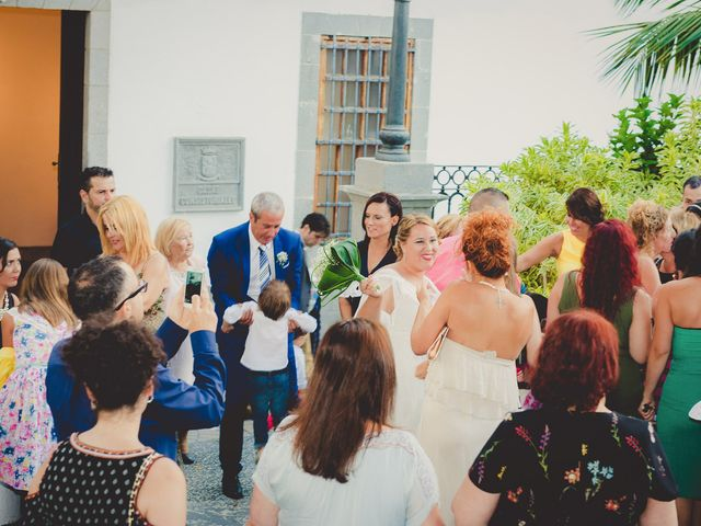 La boda de Zeneida y Cathaysa en Telde, Las Palmas 33