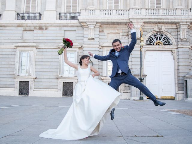 La boda de Pablo y Laura en Madrid, Madrid 19