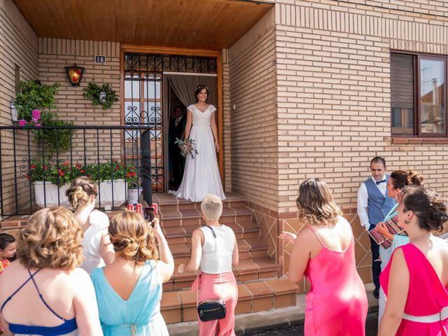 La boda de Adrián y María en Calamocha, Teruel 8