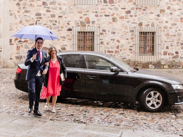 La boda de Iván y Cristina en Cáceres, Cáceres 16