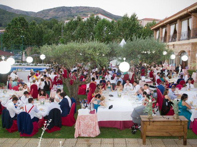 La boda de Alfonso y Paloma en Jarandilla, Cáceres 32