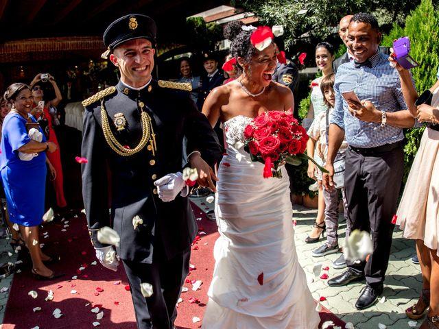 La boda de Jose Luis y Yanulka en Alcalá De Henares, Madrid 29