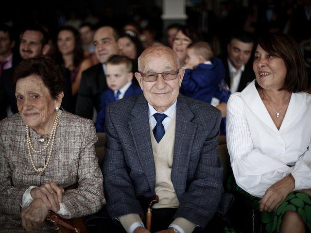 La boda de Mikel y Josune en Getxo, Vizcaya 12