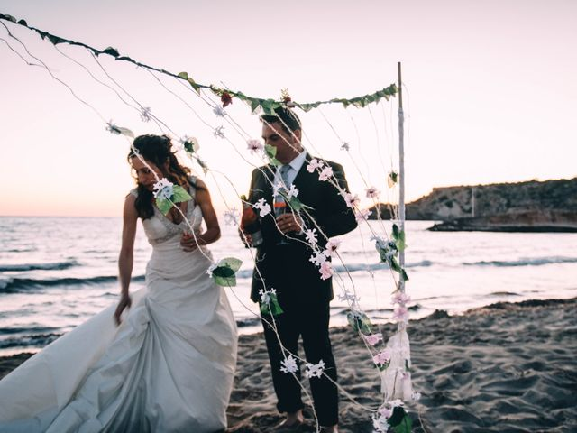 La boda de Julio y Inma en Santa Eularia Des Riu, Islas Baleares 20
