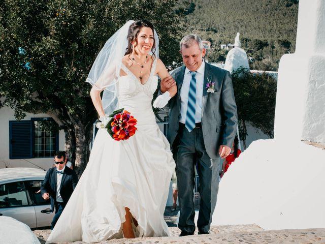 La boda de Julio y Inma en Santa Eularia Des Riu, Islas Baleares 34