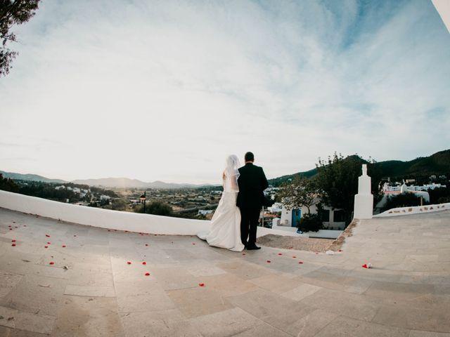 La boda de Julio y Inma en Santa Eularia Des Riu, Islas Baleares 61
