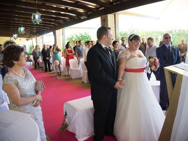 La boda de Adrian y Miriam en Sevilla, Sevilla 3