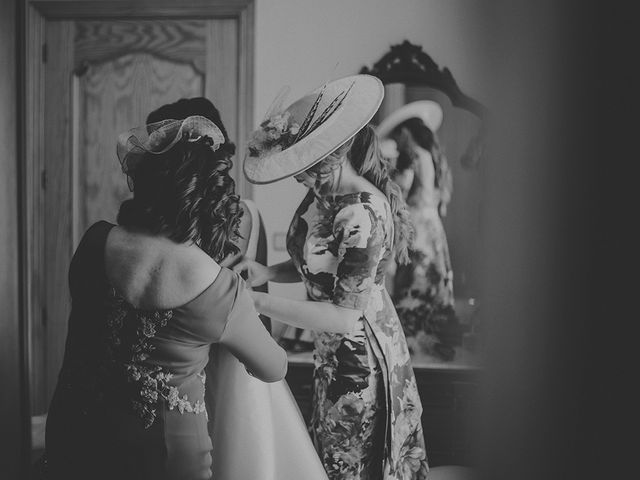La boda de Edu y Consoli en Manzanares, Ciudad Real 15