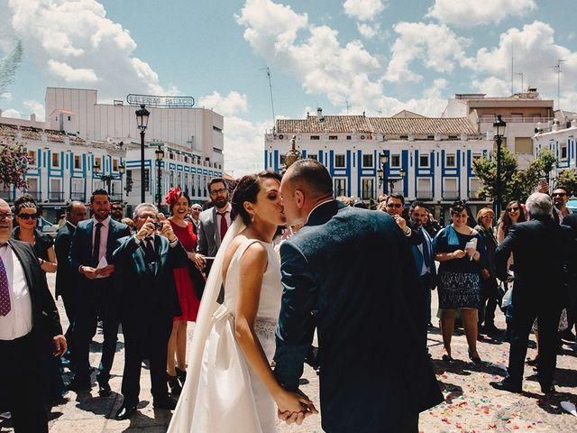 La boda de Edu y Consoli en Manzanares, Ciudad Real 34