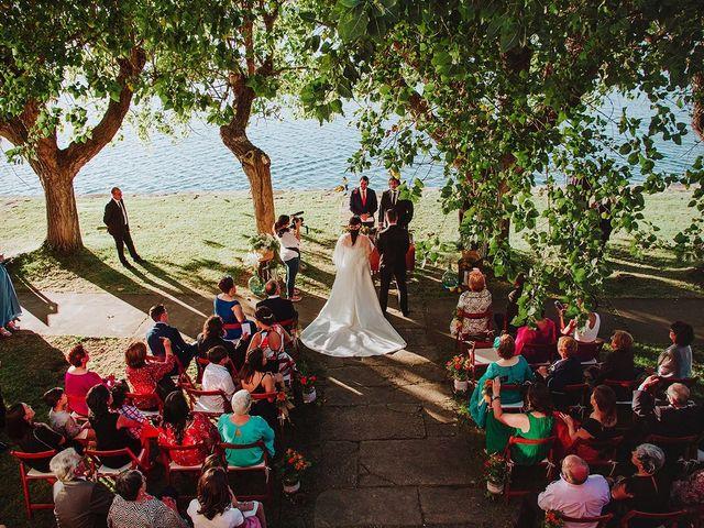 La boda de Javi y Cris en Ferrol, A Coruña 32