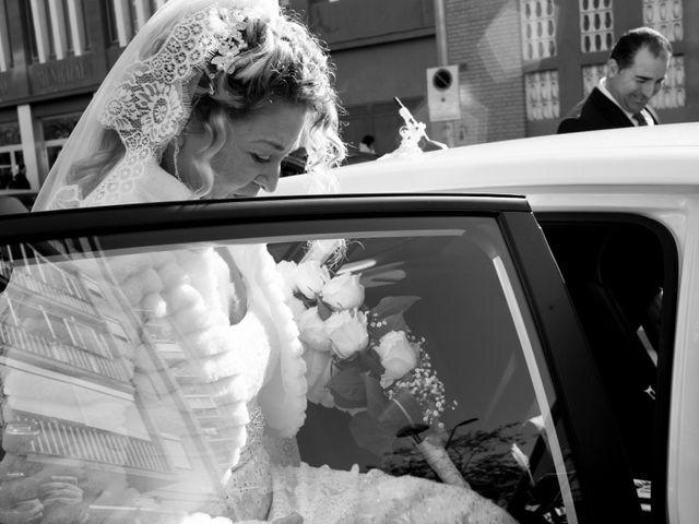 La boda de Agapito y Maria Jesús en Santa Coloma De Gramenet, Barcelona 11