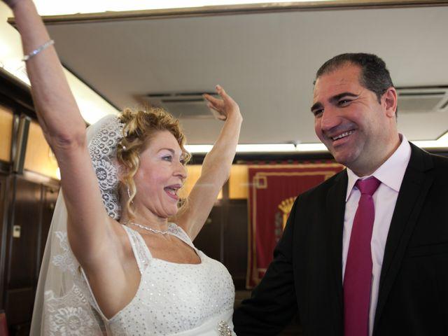 La boda de Agapito y Maria Jesús en Santa Coloma De Gramenet, Barcelona 15