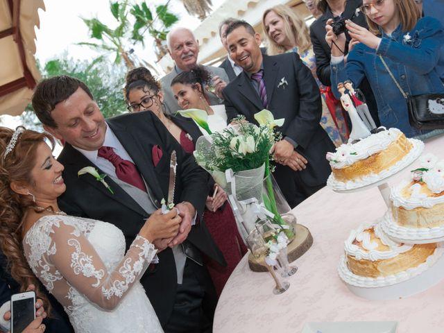 La boda de Hanspeter y Maritza en Torrevieja, Alicante 24