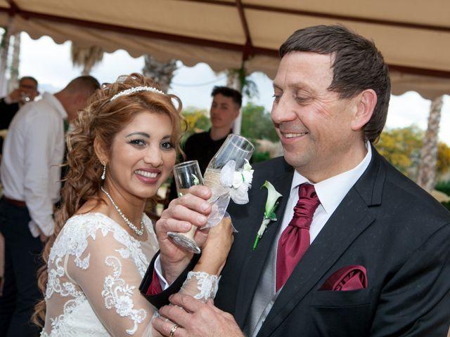 La boda de Hanspeter y Maritza en Torrevieja, Alicante 25
