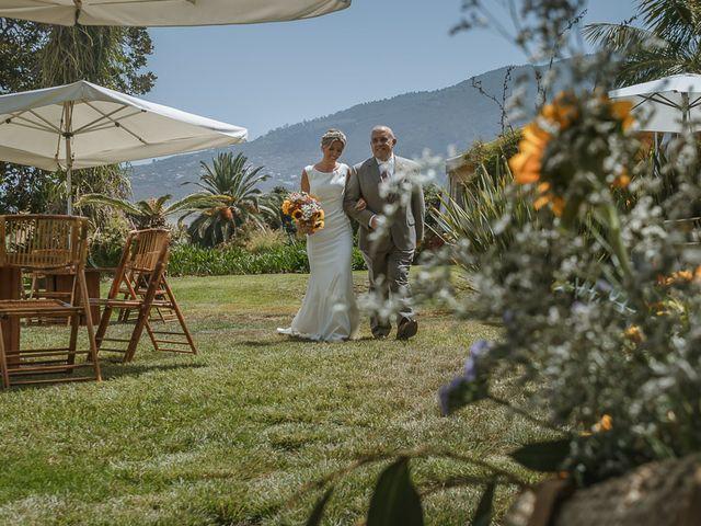 La boda de Santi y Carol en La Orotava, Santa Cruz de Tenerife 32