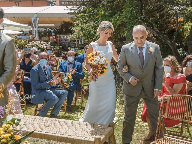 La boda de Santi y Carol en La Orotava, Santa Cruz de Tenerife 33