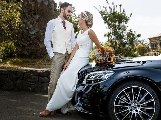 La boda de Santi y Carol en La Orotava, Santa Cruz de Tenerife 45