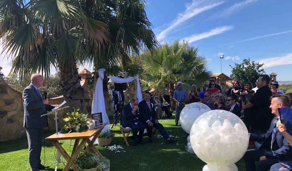La boda de José Luis  y Tomás  en Badajoz, Badajoz