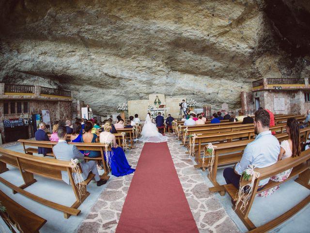 La boda de Ivan y Jenny en Infiesto, Asturias 14