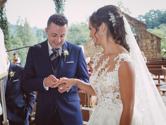 La boda de Ivan y Jenny en Infiesto, Asturias 15