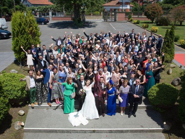 La boda de Santi y Celia en Gijón, Asturias 2