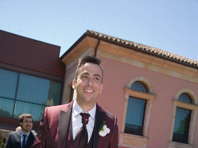La boda de Santi y Celia en Gijón, Asturias 5