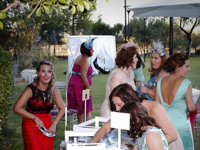 La boda de Raul y Mari Cruz en Argamasilla De Calatrava, Ciudad Real 32