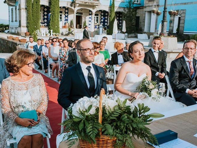 La boda de Iván y María en Vilanova De Arousa, Pontevedra 35