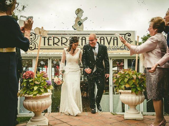 La boda de Luis y Laura en Isla, Cantabria 13