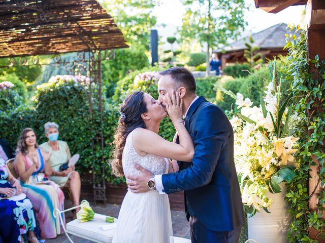 La boda de Adrian y Cristina en Miraflores De La Sierra, Madrid 22