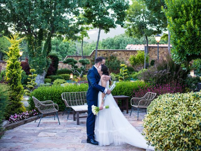 La boda de Adrian y Cristina en Miraflores De La Sierra, Madrid 27
