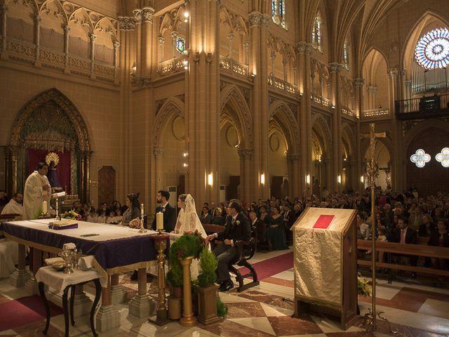 La boda de Ignacio y Isabel en Fuengirola, Málaga 23