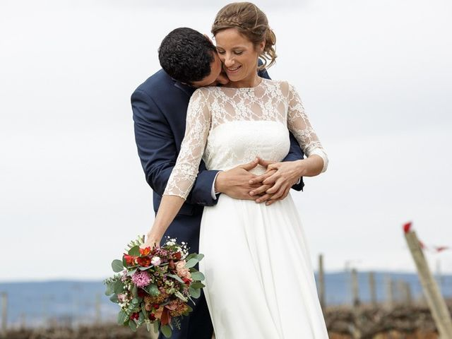 La boda de Santi y Aina en Sant Cugat Sesgarrigues, Barcelona 19