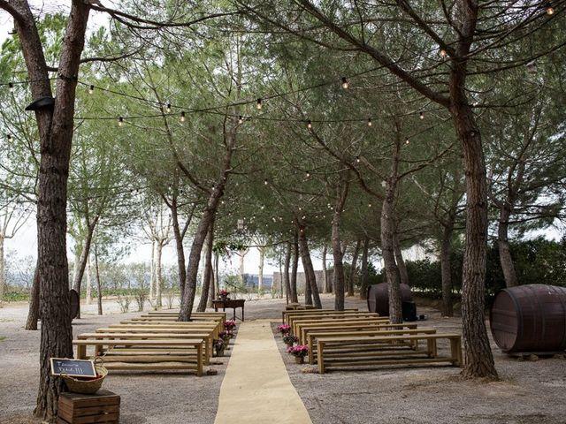 La boda de Santi y Aina en Sant Cugat Sesgarrigues, Barcelona 27
