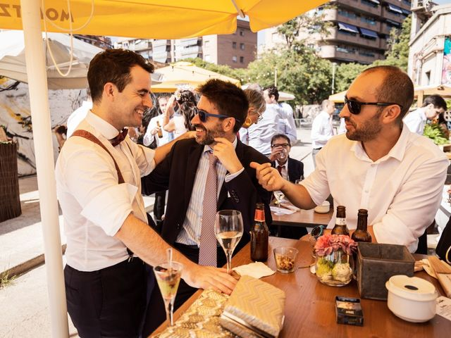 La boda de Cristian y Paula en Barcelona, Barcelona 60