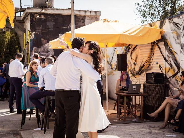 La boda de Cristian y Paula en Barcelona, Barcelona 68