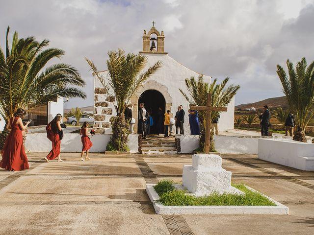 La boda de Moisés y Stefy en La Matilla, Las Palmas 12