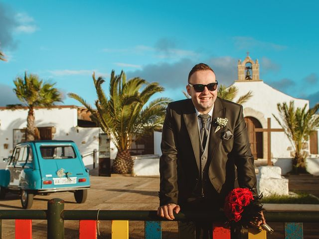 La boda de Moisés y Stefy en La Matilla, Las Palmas 20