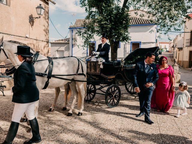 La boda de Emilio y Rocío en Puebla Del Principe, Ciudad Real 131