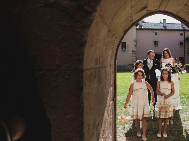 La boda de Kiko y Marta en Olmos De Ojeda, Palencia 26