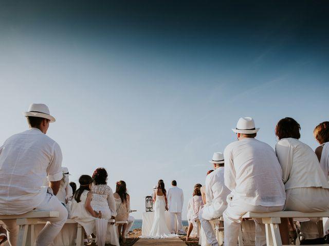 La boda de Dani y Carmen en Cala Conta, Islas Baleares 30